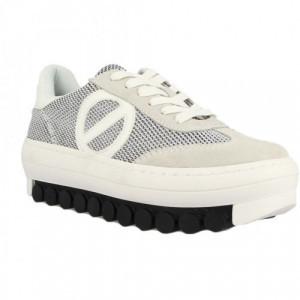 roller sneaker